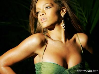 20111207121401-rihanna-hi-resolution-screensaver.jpg